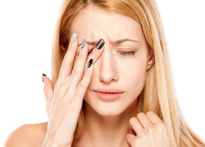 Болит правый и левый глаз изнутри: причины, лечение