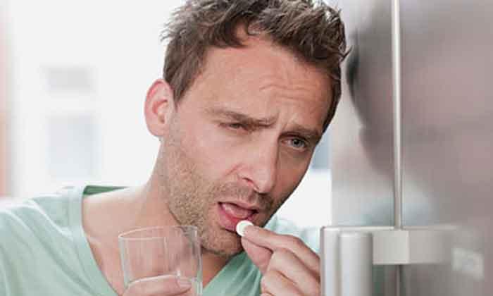 Головная боль после алкоголя: причины, профилактика похмелья