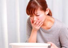 Причины тошноты и головной боли