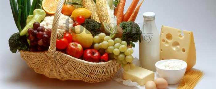кисломолочные продукты и фрукты