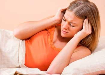 Кружится голова при повороте головы лежа: причины и лечение