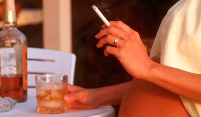 Материнский алкоголизм