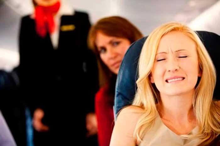 давление в ушах в самолете