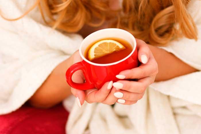 выпить теплый чай
