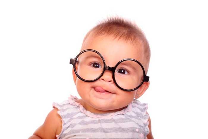 у малыша страдает зрение