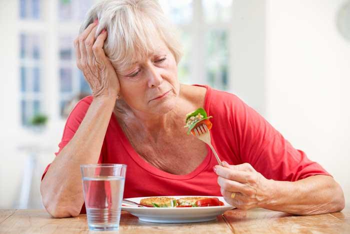 Почему после еды болит голова: причины, что делать