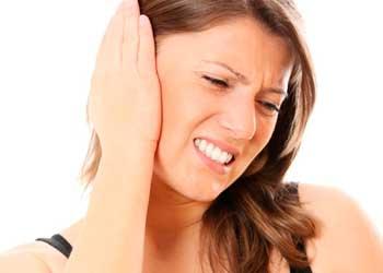 Головная боль отдает в ухо