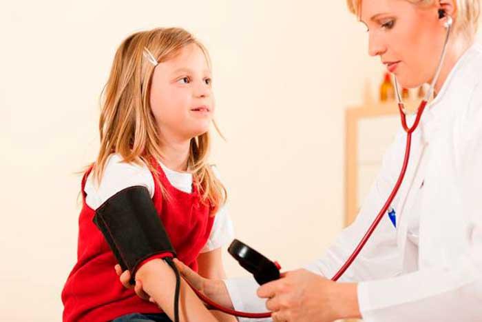 Меряем кровяное давление у ребенка