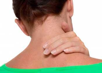 Боли в области шеи. Почему болит шея справа, слева