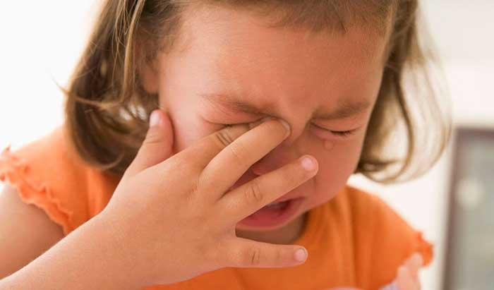 Сильная головная боль и снижение зрения